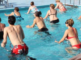 5 ejercicios de rehabilitación en el agua