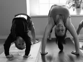 5 ejercicios para practicar yoga en la escuela