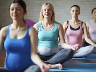Tabla de yoga para embarazadas