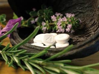 Cómo tratar los dolores menstruales mediante la Naturopatía