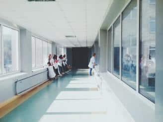 Claves para gestionar el personal de un centro sanitario