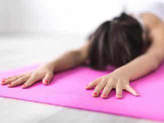 Anatomía de la respiración y ejercicios básicos de yoga