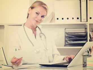 ¿Qué es el conjunto mínimo básico de datos y como se aplica en el secretariado médico?