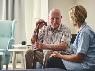 Geriatría y Gerontología: consejos para elegir una buena residencia para nuestros mayores