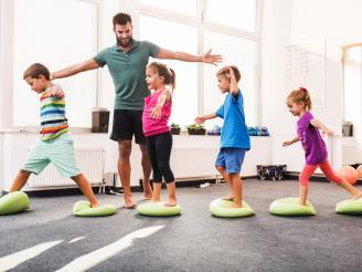 Pilates niños y ancianos