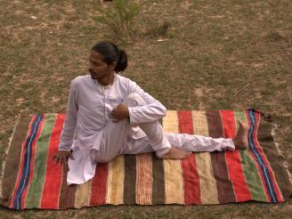 Posturas de yoga de torsión
