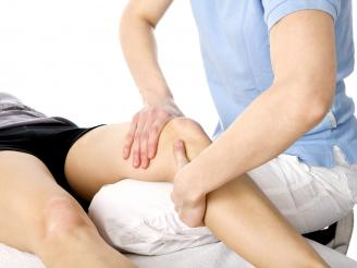 Tabla de ejercicios de rehabilitación para una lesión de rodilla